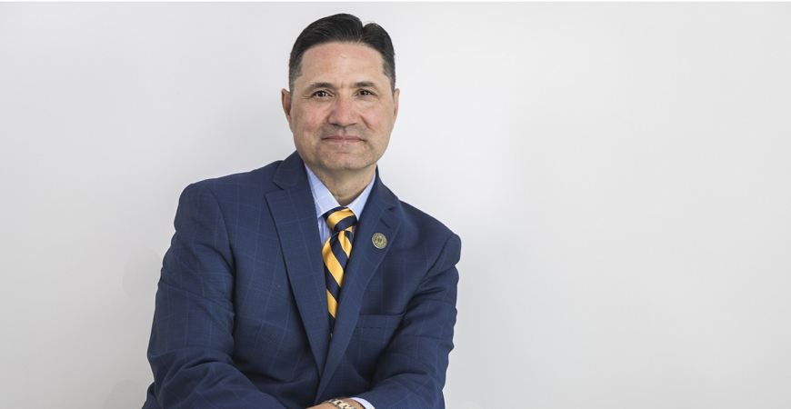 UC Merced Chancellor Juan Sánchez Muñoz hero